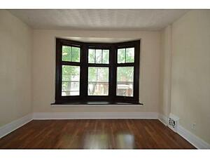 Gorgeous 3 Bedroom Apartment In Central Hamilton