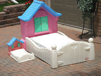 Little Tikes Country Cottage Girls Toddler Bed