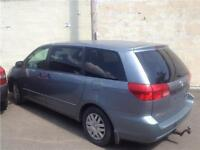 2004 TOYOTA SIENNA AUTOMATIQUE 8 PLACES CLIMATISEE  PROPRE