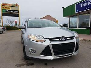 """2012 Ford Focus SEL """"LOADED/LEATHER/NAVIGATION/CLEAN TITLE"""""""