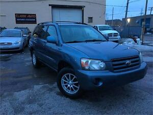 TOYOTA HIGHLANDER 2004 AUTO / AWD / V6 / MAGS / 7 PASSAGERS !!