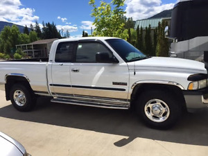 2001 Dodge SLT Diesel Quad Cab Tow Vehicle