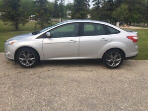 2013 Ford Focus SE NO ACCIDENTS! WINTER TIRES INCLUDED!