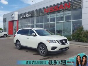 2017 Nissan Pathfinder SV ** Back Up Camera **