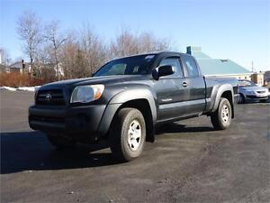 2005 Toyota Tacoma, 5 SPEED, ONLY 159KM, 4X4