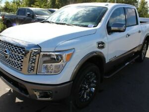 2018 Nissan Titan Platinum 4x4 Crew Cab 5.6 ft. box 139.8 in. WB