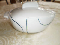 Corelle Coordinates Simple Lines covered casserole