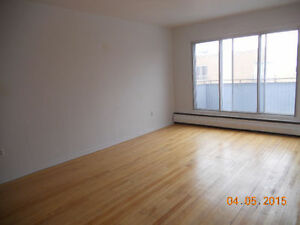 Grand Big heated 5 1/2 apts in Dorval Heat and Ht water included