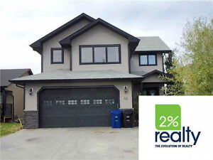 Two Storey Beyond The Common, Huge Bonus Room-Listed By 2%