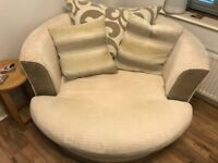 Large Swivel Chair in excellent condition