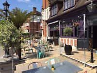 Full time & part time chefs needed for vibrant busy kitchen in Locals Pubs