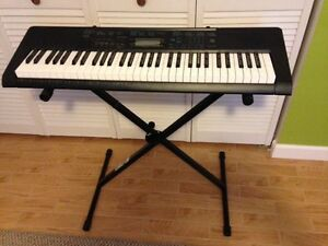 Casio CTK-2300 Keyboard in excellent condition.