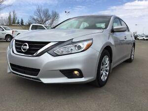 2016 Nissan Altima 2.5L Accident Free,  Bluetooth,  A/C,