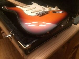 FENDER STRAT PLUS 40TH ANNIVERSARY USA-GUILD JF-30 USA 2001