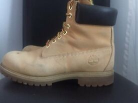 Timberland Men's Classic 6in Nubuck Books - Size 9.5 - Good Condition
