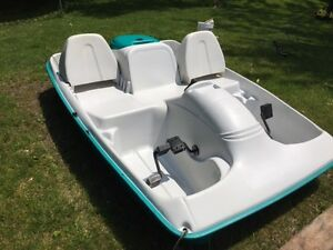 5 person paddle boat for sale - Ready for Summer!