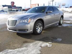 2014 Chrysler 300 Touring - Leather - Touchscreen -$139 Bi-Wkly