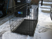 """Top Paw 30"""" x 19"""" x 21"""" wire dog cage in excellent condition"""