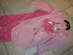 Girl's 2 Piece Outfit Size 24 Months