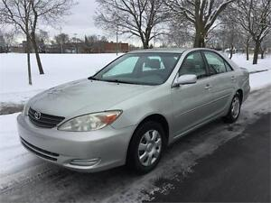 2004 TOYOTA CAMRY , AUTOMATIQUE ,4 CYLINDRE , TOUTE EQUIPE