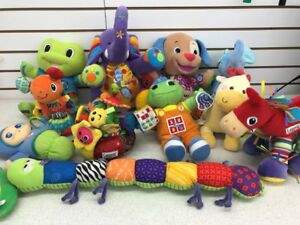 (204B) LAMAZE Stroller and Car Seat Toys – Only 1$