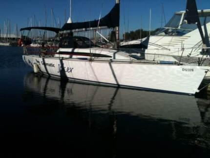performance cruising  yacht