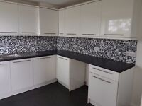Large 2 double bed flat, modern kitchen, combi boiler, recently decorated, private landlord.