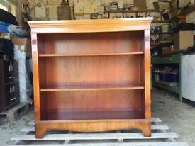 Regency-style open shelf Bookcase