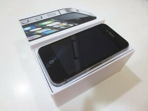 IPHONE 4S ORIGINAL NEW UNLOCK WITH CHARGER AND GAURANTY