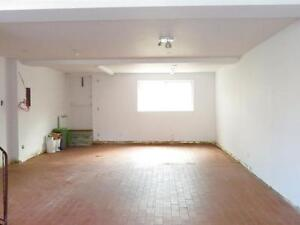 6132 Cote St. Luc Commercial Space for Rent