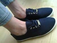 *brand new* lacoste pumps