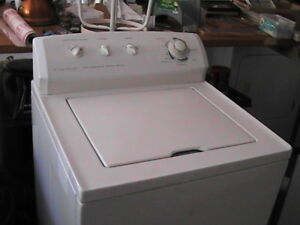 Kenmore top load washer..works awesome 477 8320
