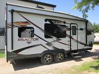 2016 Evergreen Reactor R19FK Toy Hauler