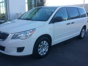 2011 Volkswagen Routan Trendline 6sp at