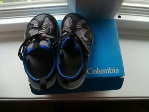 Boys columbia Sandals size 11 ( brand new)