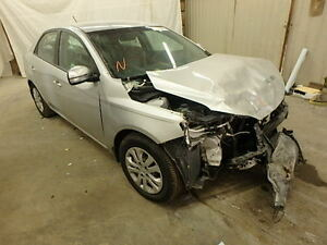 2013 KIA FORTE PARTING OUT!!!!!!!! London Ontario image 1