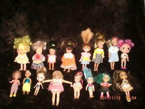 Lot de 16 petites poupées divers pour filles