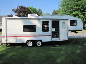 Terry Fifth Wheel 25.5ft