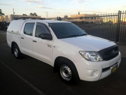 2010 Toyota Hilux GGN15R 09 Upgrade SR White 5 Speed Automatic