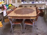 Retro brown Table and Chairs