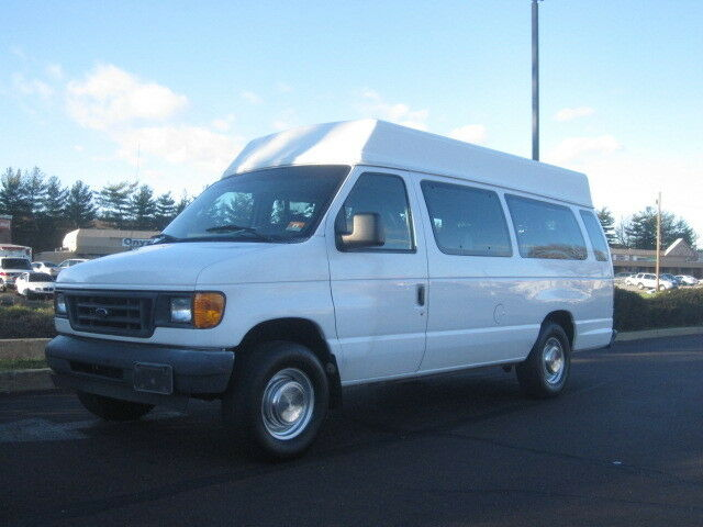 Image 1 of Ford: E-Series Van E-250…