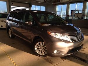 2013 Toyota Sienna Limited AWD, Navi, Pano Roof, DVD, Heated Sea
