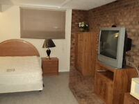 Newcombe - Bedroom for rent - Available Immediately