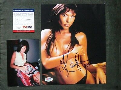 Kari Wuhrer Hot! signed 8x10 photo PSA/DNA cert PROOF!!