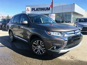 2017 Mitsubishi Outlander ES AWD Touring Pakg | 10 Year Warranty