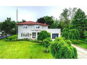 Niagara Parkway, Fort Erie, Amazing Views (Agents welcome)