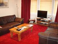 SHORT TERM LET (Ref 500): Very well presented main door flat in on East Claremont Street