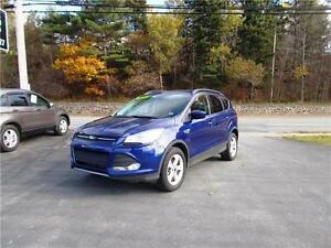 2014 FORD ESCAPE 4WD...LOADED!! LEATHER INTERIOR & REAR CAMERA!!
