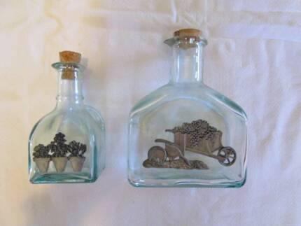 2 x Kitchen  Decorator Jars / Bottles for Oil or Salad dressing