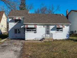 Great Opportunity 3 bedroom 11/2 Story House for rent in Keswick